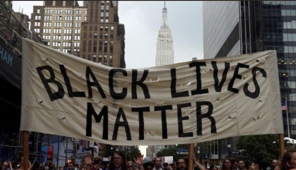 Idk what else to say, what others haven't said before. Personally, I can't comprehend how racism still exist in 2020. How can ppl still think they are better than others based on their skin colour, ethnicity, religion, gender identity or sexuality?  #BlackLivesMatterpic.twitter.com/4X1AdpFhWr