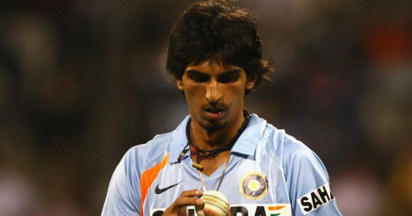 'Why aren't you bowling': Ishant Sharma recalls hilarious incident on debut  Read:  https:// xtratime.in/why-arent-you- bowling-ishant-sharma-recalls-hilarious-incident-on-debut/  …   #IndianCricketTeam #TeamIndia #IshantSharma #MayankAgarwal<br>http://pic.twitter.com/wgckuiId5K