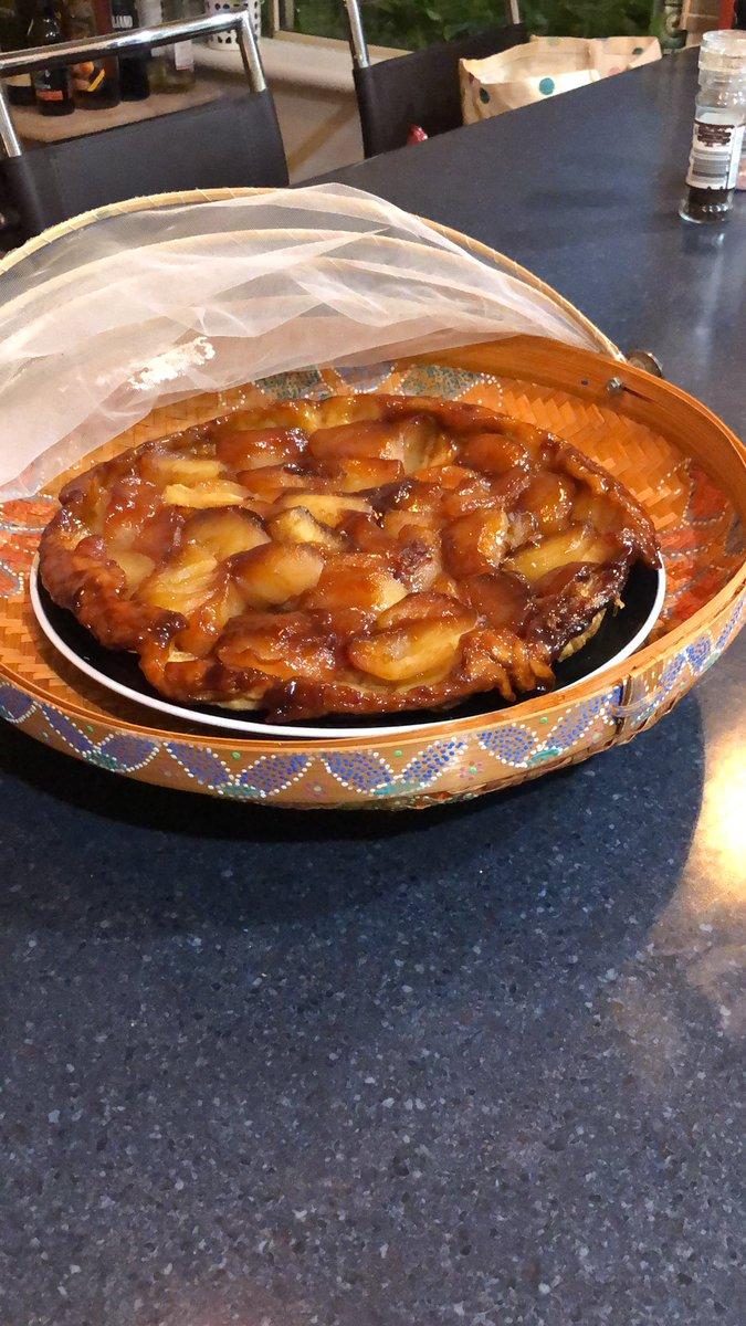 Cheffing tonight. Roast pork with griddled vegetable gratin followed by tarte tatin. #goodhubby<br>http://pic.twitter.com/y1hua81j1K