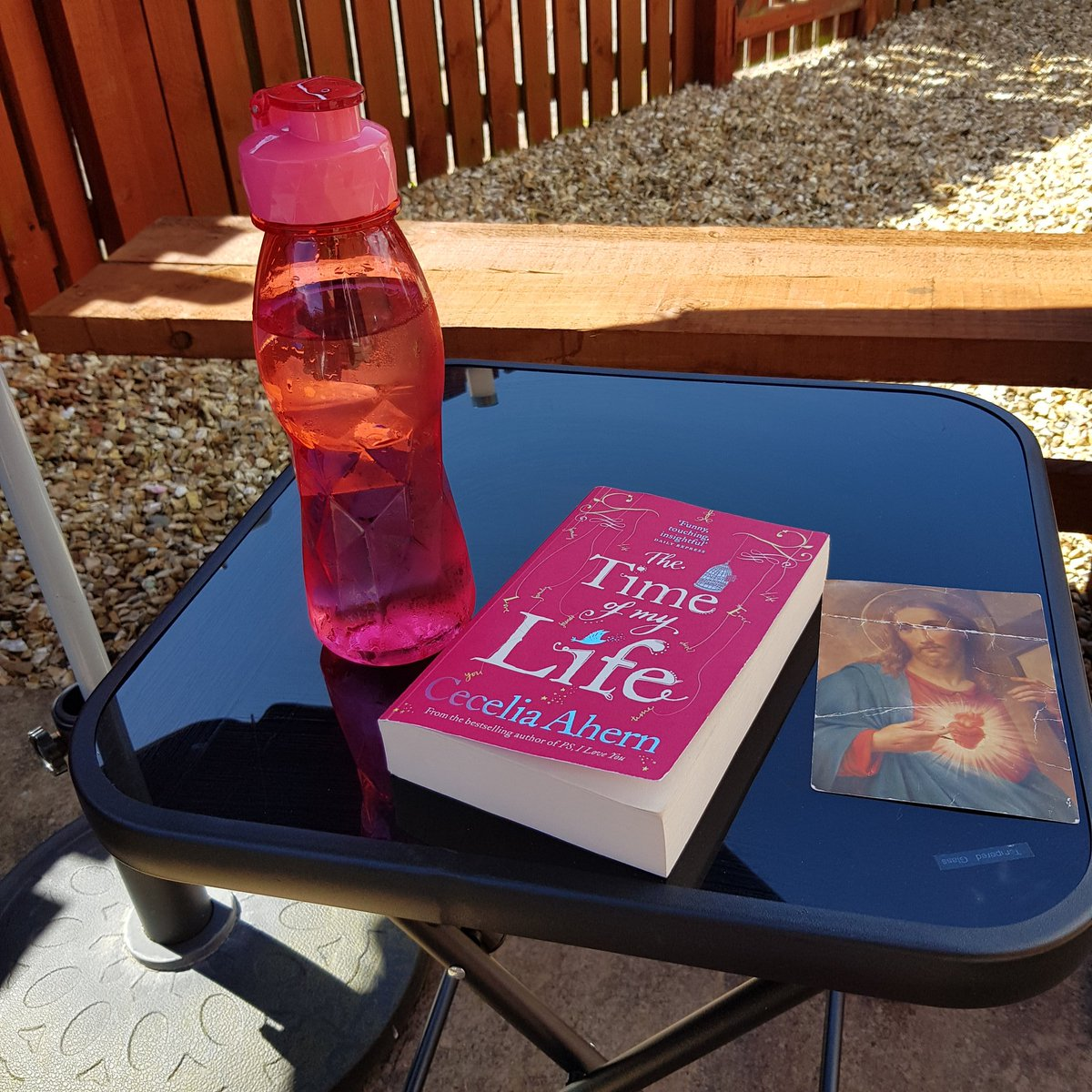 This is the life!! The sun is shining and starting a new book!! #summer #reading #chill ❤❤☀️☀️📕😁😁