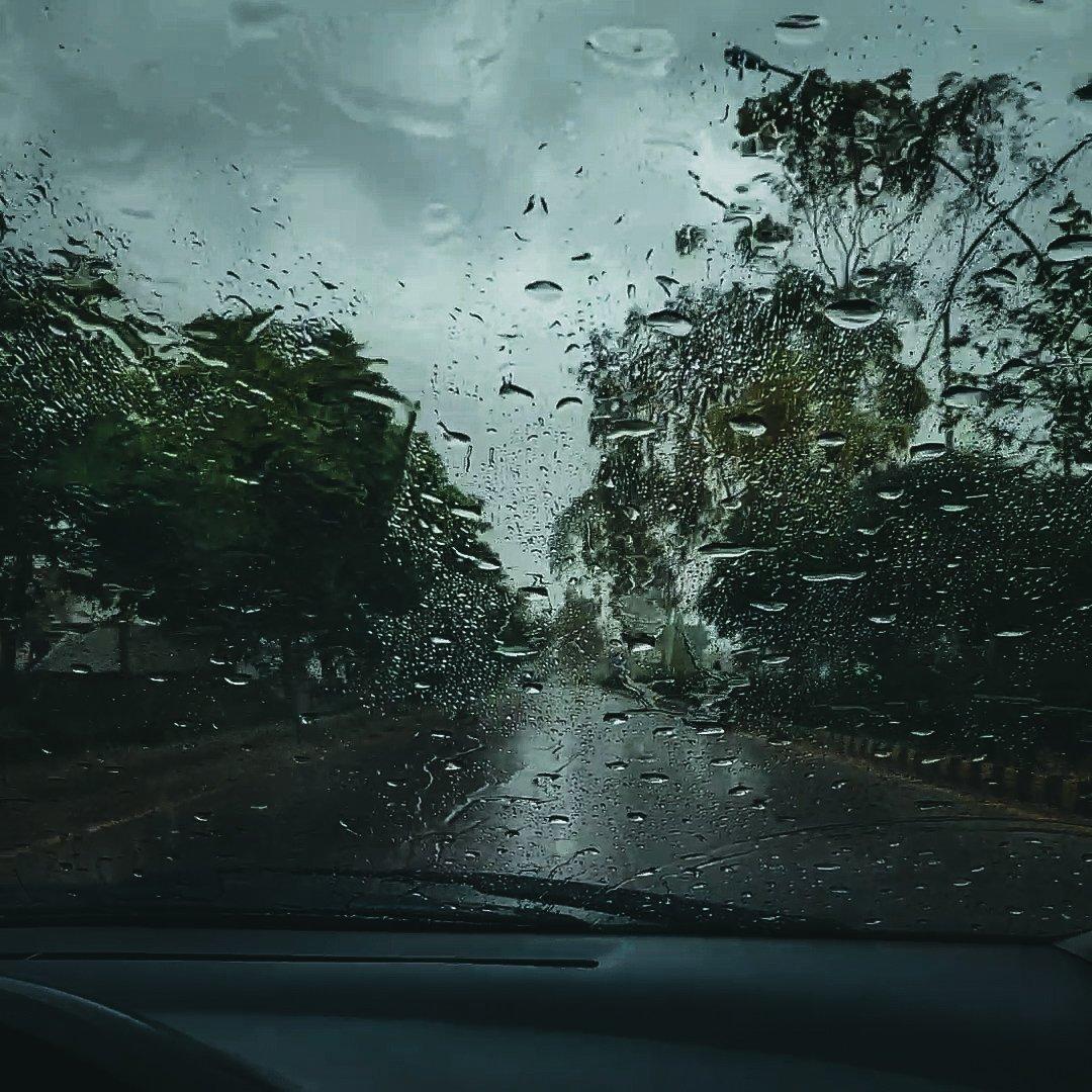 Rain comes as a blessing here in this hot weather and gloomy days of Coronavirus.  #rain #weather #peshawar  #COVID19Pakistan  #CoronainPakistanpic.twitter.com/0leuKFbqfD