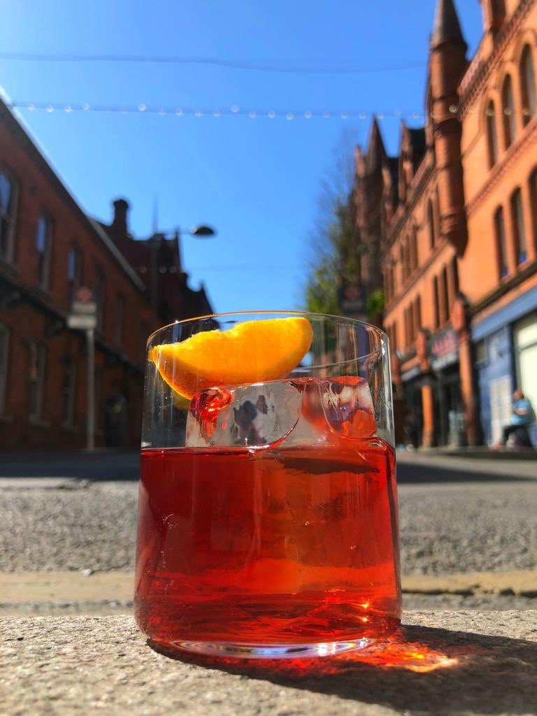 It's definitely aperitivo weather! Why not treat yourself to our bottled negroni! €40 serves 6! We also have some great wines available - link to order is in our bio! . . . . #fadest #drinks #negroni #imbibe #irishcocktails #food #sun #summer #bbq #takeout #cocktail #aperitivo