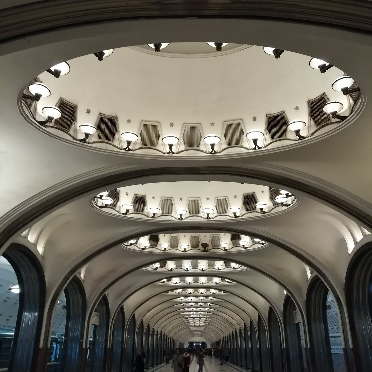 The beautiful #Mayakovskaya metro station in #Moscow before times of #coronavirus #travel #expat #Москва #Россияpic.twitter.com/AGj4qGaBHZ