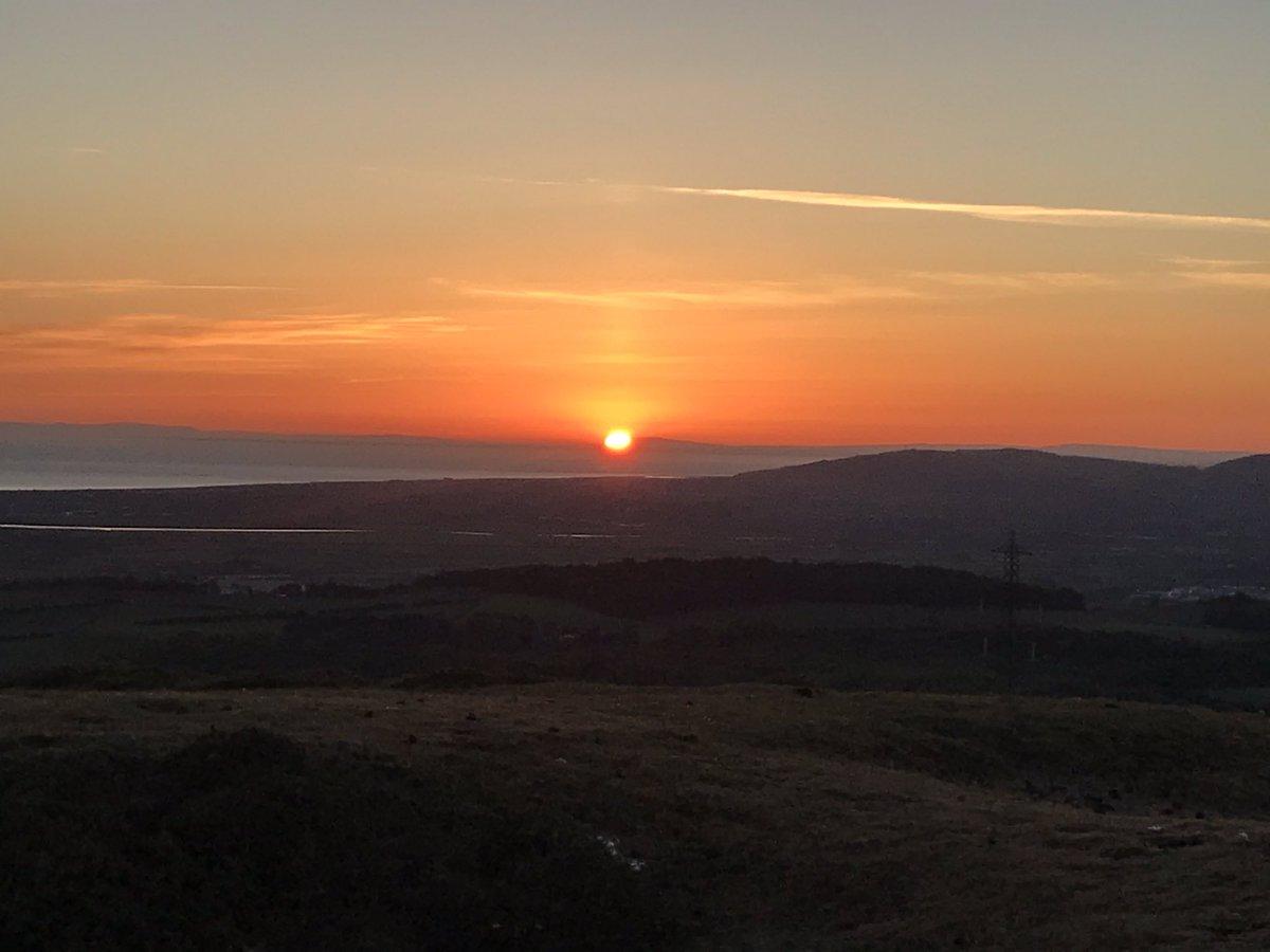 Sunrise walk... magical <br>http://pic.twitter.com/LX2ymGz61L