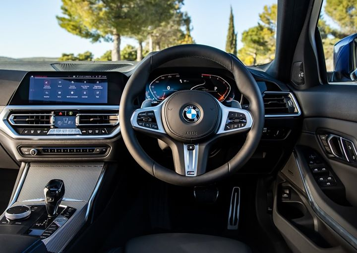 Interiors like these make those early morning commutes that much easier. #BMW #3Series #UK #RT #NEWS #Tech #Travel #Nature #Cars #Breaking #Offers https://t.co/tNfWO4iPfZ