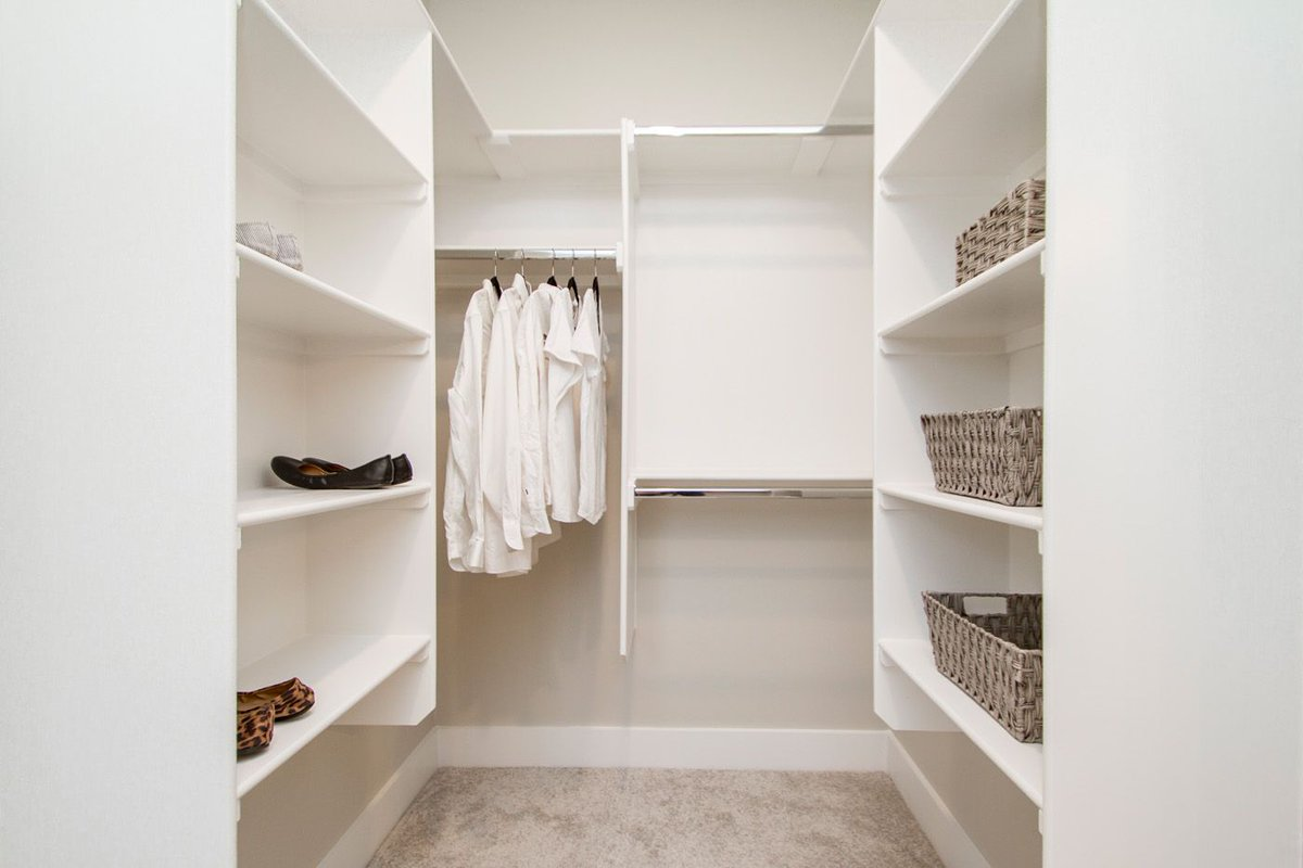 well planned closets can make a big difference in maxing out your storing potential!   #hineshomes #newhome #realtor #househunting #dreamhome #buildersofig #newhouse #arkansas #mymaumelle #howyouhome #newhome #livingmybestlife #living #interiors #homesweethome #homedecorpic.twitter.com/3XgqOTs4x4