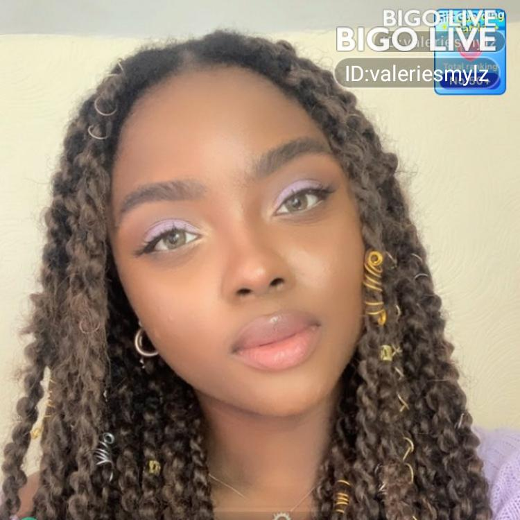 Come and see Valerie Smyls🙊's LIVE in #BIGOLIVE: #takemeout   1 box =target🥺💓💕
