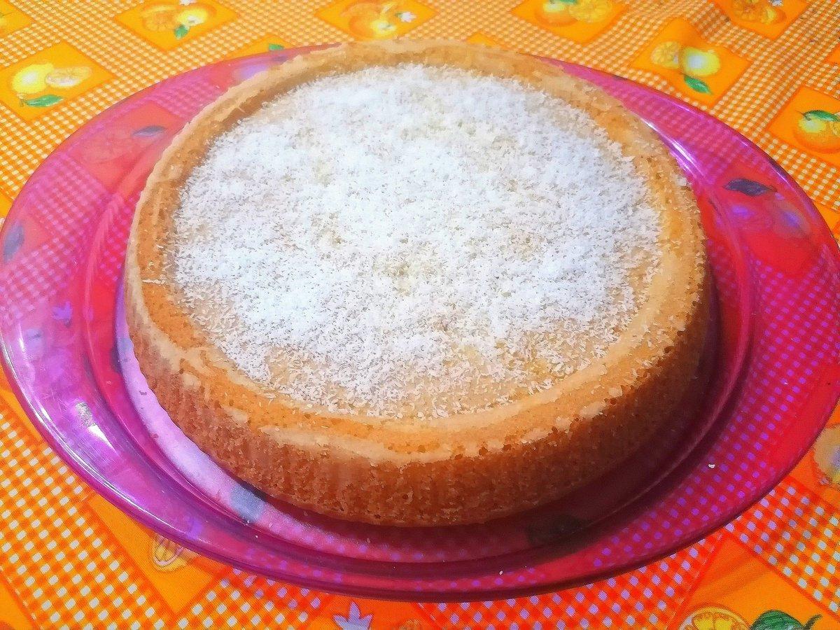 Torta a limone 🍋 #f4f #goodday #l4l #love  #bread #morningtime #instalike #sandwich #instagood #fresh #follow4follow #breakfast #followforfollow #morning #sun #instadaily @rocket_hastags #instalikesandfollowers4u #likeforlike #milk #instafood #fff #fruits #table #lfl #like4like