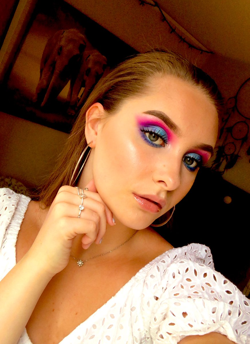 Oh my gaaawwwd...I already miss wearing this look😢😢 #makeup #creative #art #colorful #musicians
