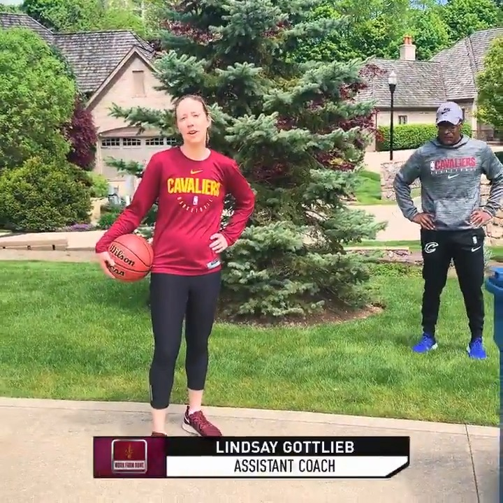 """Learn how to use screens & move without the ball‼️  Lindsay Gottlieb from the @Cavs teaches this important skill using a 🗑️ 😂 Check out """"Work from Home: Cleveland Cavaliers"""" today at 11am/et and 2pm/et on @NBATV #JrNBAatHome https://t.co/0mS9IYtanz"""