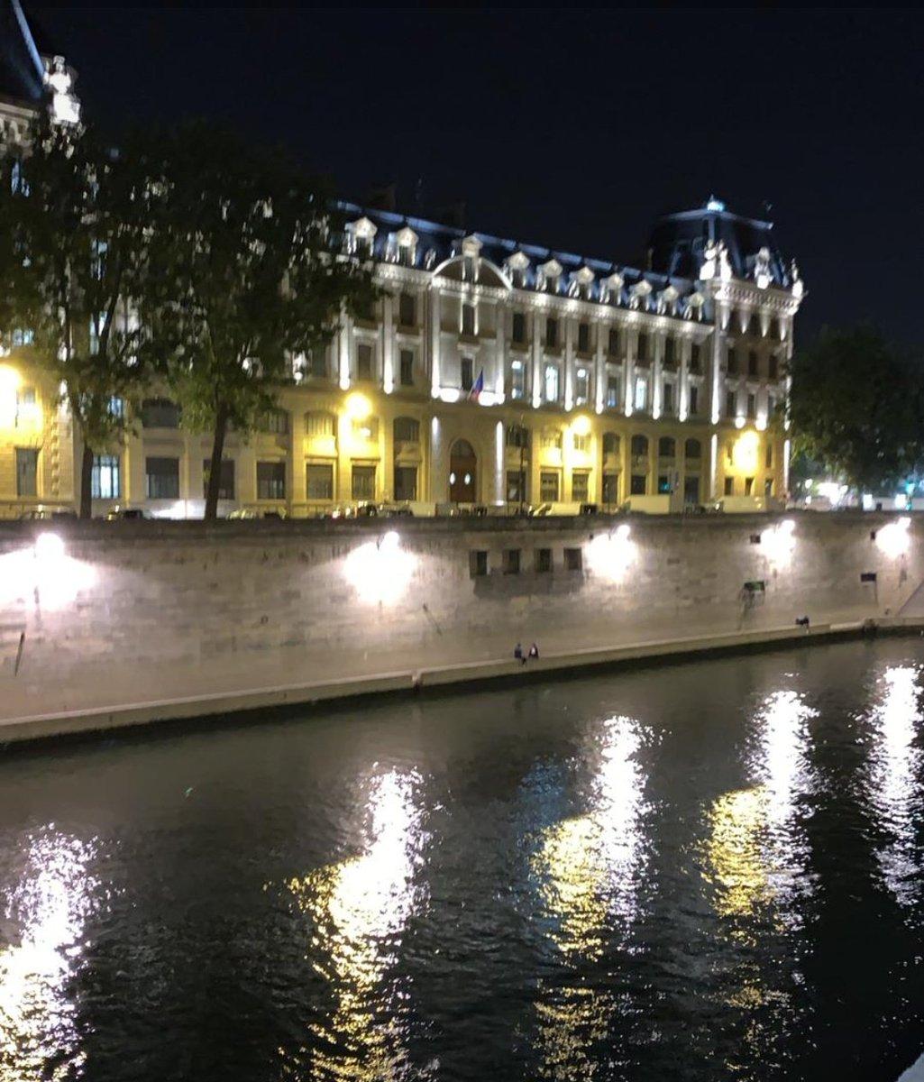 Evening stroll along the river...#Paris #parisjetaime #Travel pic.twitter.com/WornmIWizS