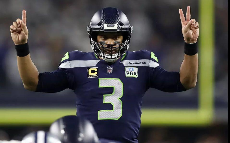 #Noticias Russell Wilson y los Seattle #Seahawks se mantendrán un año más entre el nivel de 'Contendientes al trofeo Vince Lombardi' gracias a lo compensada que esta la plantilla. #NFL