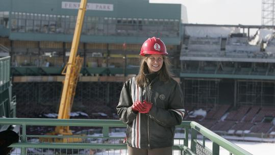 .@SmithJanetmarie  brought back the classic ballpark look when she helped design @Orioles Park at Camden Yards, which has become the blueprint of all modern ballparks. She has since helped renovate @Redsox Fenway and @Dodgers Stadium.  #WomenInBaseballDay https://t.co/9aOFOWbr9O