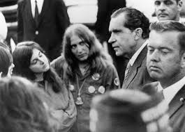 REMEMBER WHEN THIS WAS THE WORST PRESIDENT WE HAD! FUCK MAGA NIGHT! In the early hours of May 9, 1970, President Richard Nixon made an unplanned visit to the Lincoln Memorial where he spoke with anti-war protesters and students for almost two hours.pic.twitter.com/PTFQgzJKB6