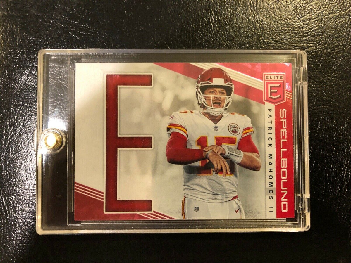 Just sold this  Patrick Mahomes card we opened on Youtube: https://www.youtube.com/watch?v=BR09ob04K00 … #chiefs #footballcards #whodoyoucollectpic.twitter.com/NIF0Y0h90x
