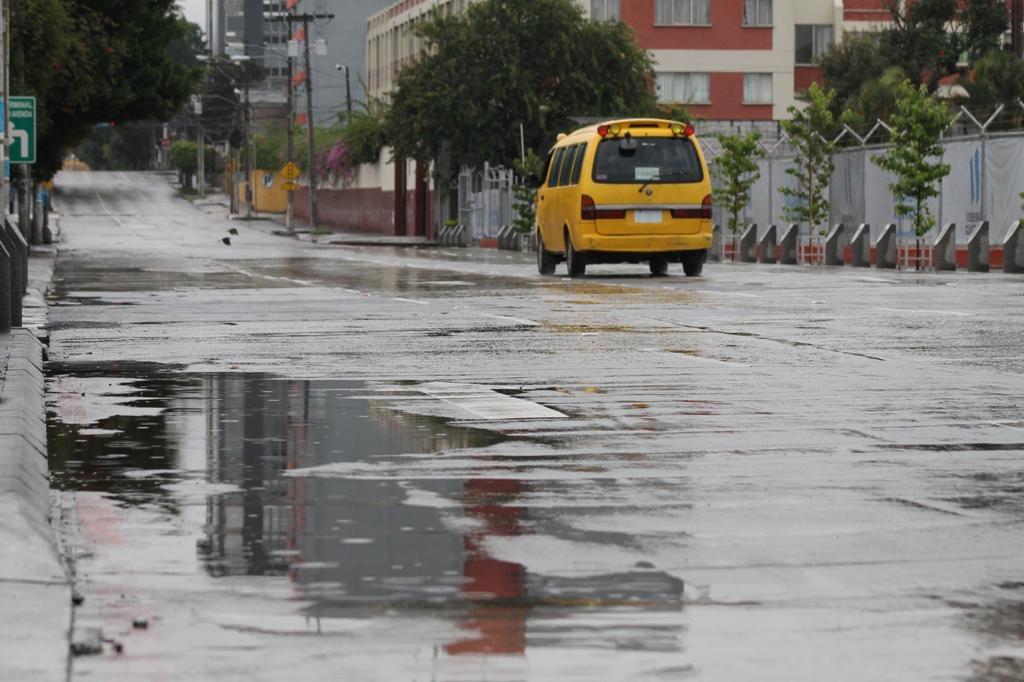 test Twitter Media - Esta mañana se registra lluvia en algunas zonas de la ciudad capital.📸: José Orozco/LH https://t.co/d6FT0qLtws