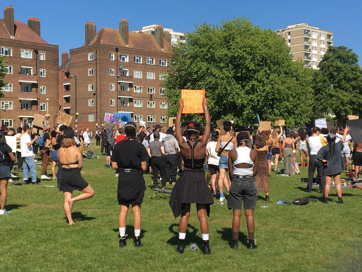 RT @KatyG_LSL: Protests in Peckham #BLACK_LIVES_MATTER #GeorgeFloydWasMurdered #NoJusticeNoPeace https://t.co/n5cV5c4aug