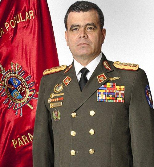 #HOY La Tripulación del @ARB_CANB Felicita a nuestro GJ @vladimirpadrino al cumplir un año mas de vida, siendo un Gran líder, Leal y comprometido con nuestra #FANB y la paz del pueblo Venezolano... ¡ FELIZ CUMPLEAÑOS ! BZ #LealesSiempreTraidoresNunca https://t.co/oRUs4NNuZ0