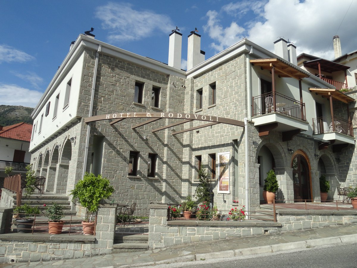 Hotel Rodovoli in Konitsa, Epirus, Greece #hotelrodovoli #zagori #konitsa #epirus #greece #visitgreece #hotel #travel #tourism https://t.co/s5SD7fFbw9
