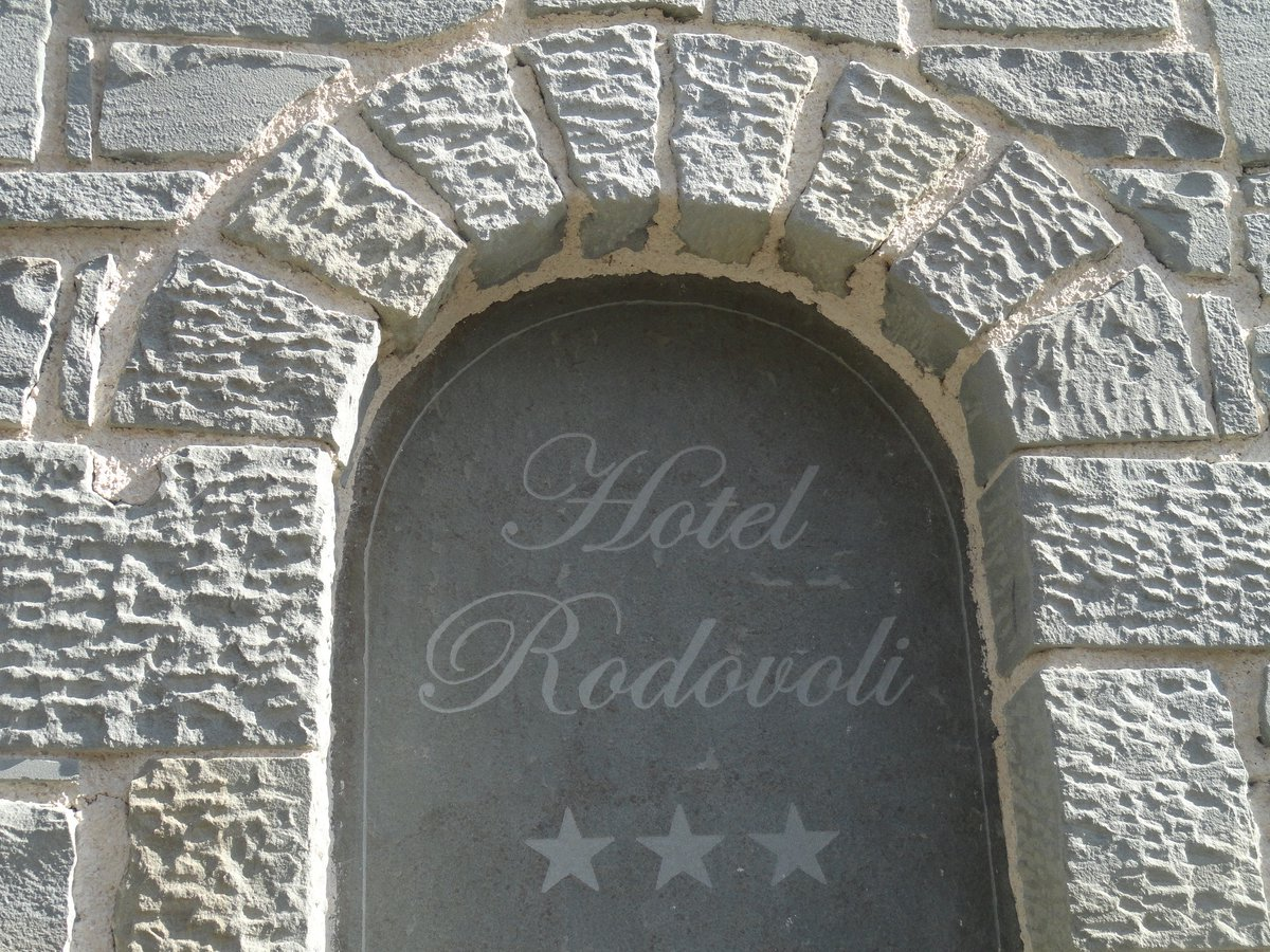 Hotel Rodovoli in Konitsa, Epirus, Greece #hotelrodovoli #zagori #konitsa #epirus #greece #visitgreece #hotel #travel #tourism https://t.co/CuDU2uN32H