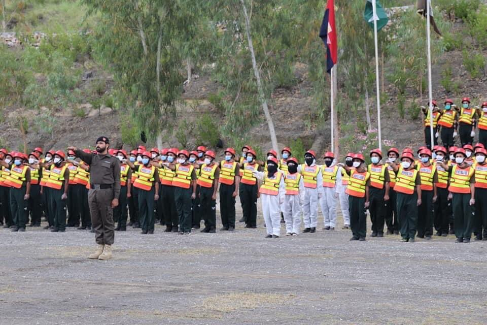 800+ Rescue 1122 personnels have been trained by KP Police and will be deployed in the new stations of Rescue 1122 to combat Corona Virus as a frontline force. <br>http://pic.twitter.com/Fm3X70DuaC
