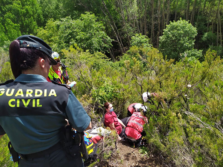 Una mujer es traslada al hospital de Guadalajara tras sufrir una caída en Valverde de los Arroyos - https://t.co/0VzFOvIisU https://t.co/HkdRP2U1PF