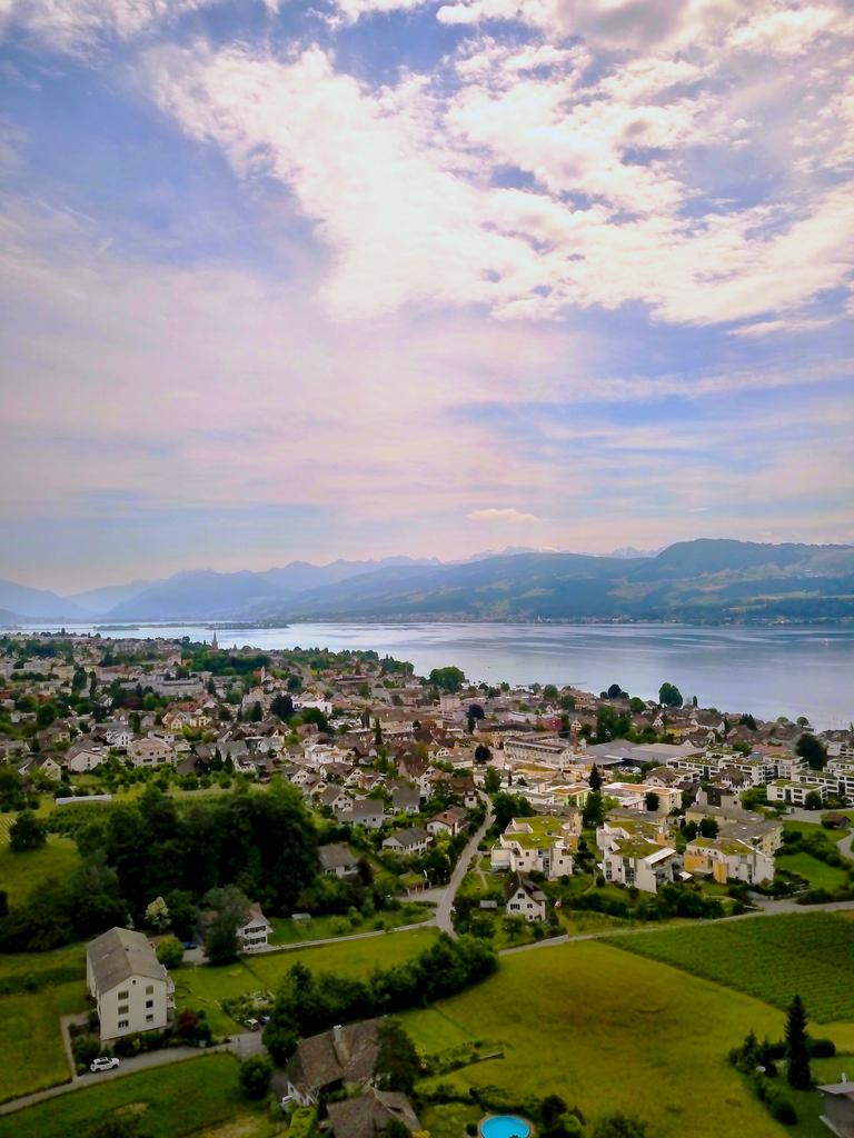Stäfa -  #zurich #switzerland #schweiz #visitzurich #swiss #hellozurich #zhwelt #zuerich #zurichcity #instazurich #suisse #instagood #zurichlife #limmatstadt #svizzera #myswitzerland #inlovewithswitzerland #visitswitzerlandpic.twitter.com/qIQY8dULDS