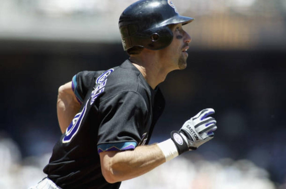 5/30/02 – @Luisgonzo20 smacked a solo HR in the 4th (the team's first HR in 58inn.), as Rick Helling (almost pulled from the rotation) went 8inn., allowing 4H, 3BB, and K'ing 3 (Kim w/ 2K, 1BB, 1IBB, 12np save; 1.72ERA), as the Arizona #DBacks beat the SF Giants 1-0. #RattleOn pic.twitter.com/sLLmmLwXM2