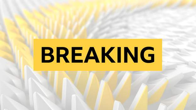 The #EFL have announced that 10 individuals have tested positive for coronavirus from eight different Championship clubs. In League Two, seven individuals have tested positive from three clubs. Full story ➡ bbc.in/2ZTqf1x #bbcfootball #Covid19