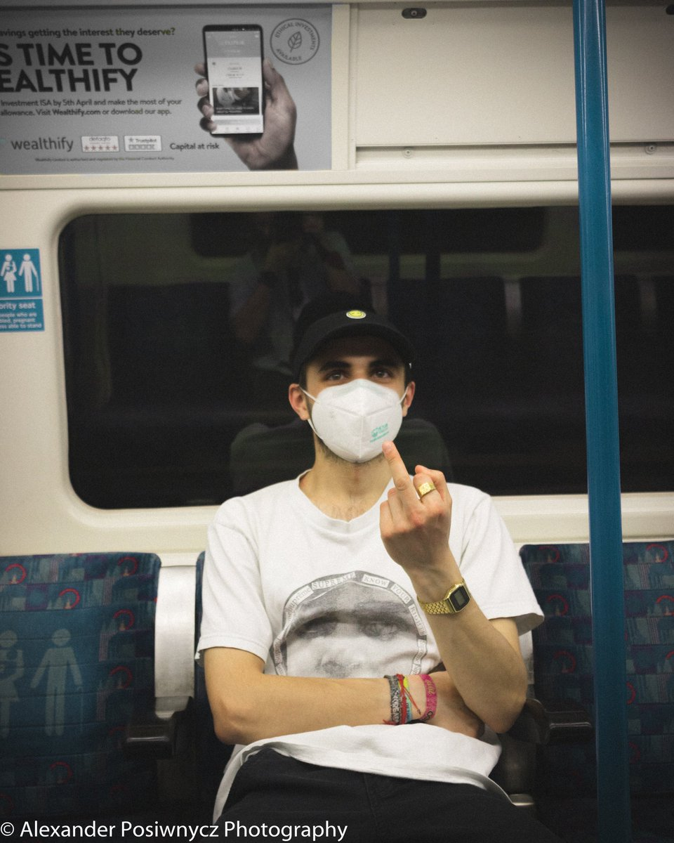 First photo is my reaction to everything that's going on at the moment #photography #canon #canon_photos #canonphotography #canoneos750d #canon750d #canoneos  #Posiwnycz #wanderlust #blacklivesmatter #stayhome #stayathome #underground #tube #londonundergroundpic.twitter.com/RJ9Sj89pjP