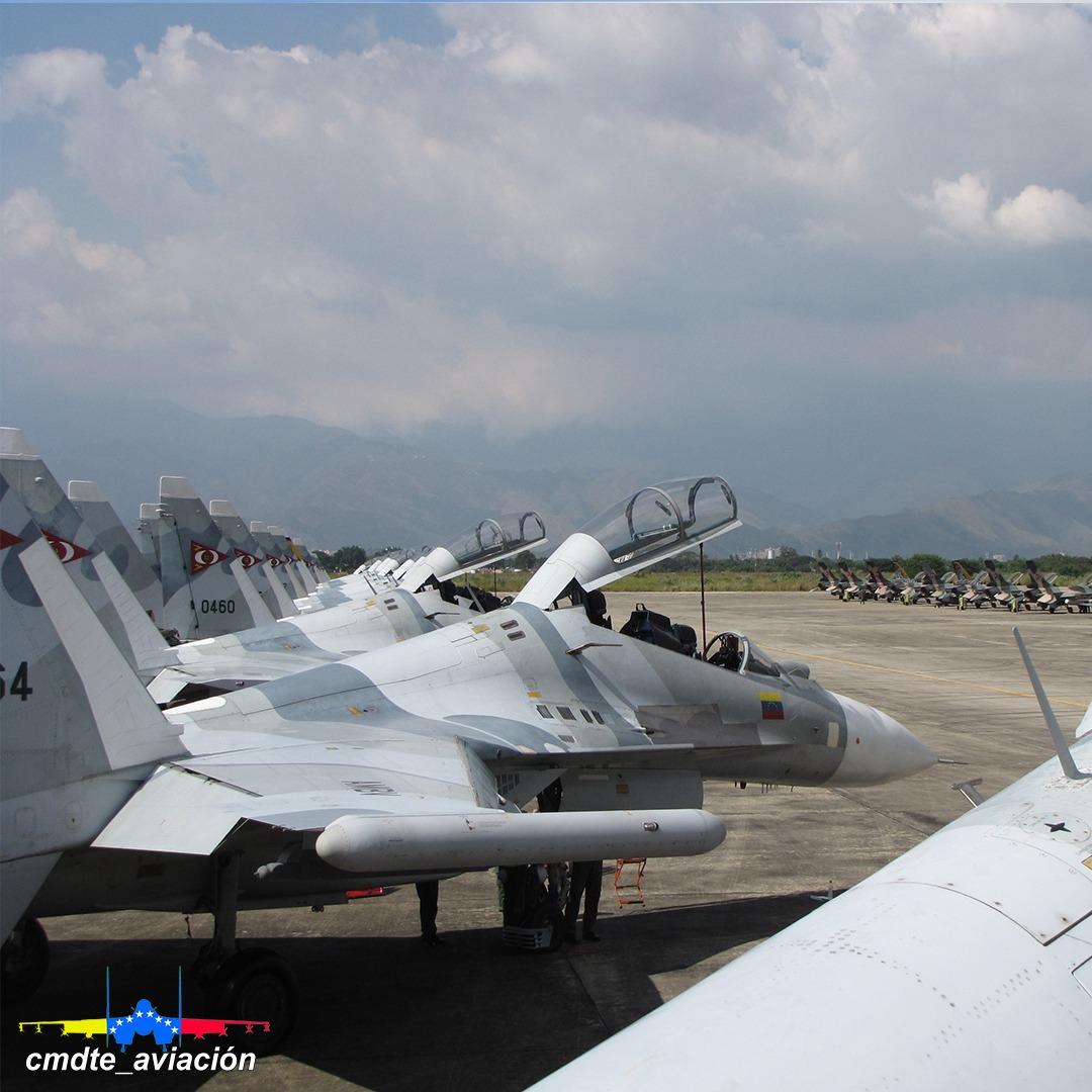 Sujoi Su-30 MK2 - Página 38 EZS9M44XkAI0j5q?format=jpg&name=medium