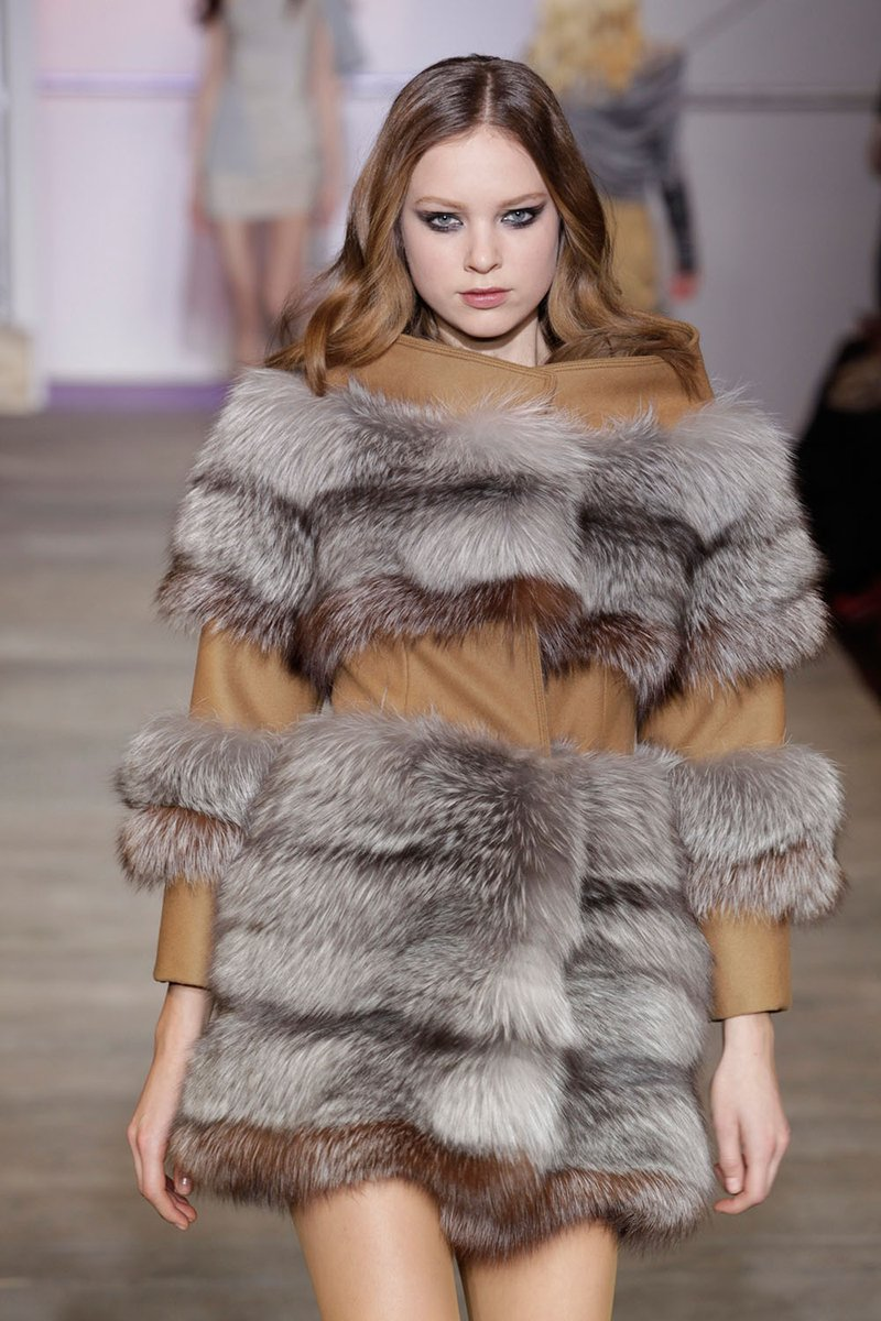 #ZacPosen platinum fox and camel felt coat. FLASHBACK TO THE PAST DECADE RUNWAY. As featured on INFUR issue 21. #infurmagazine #infurmag #fashion #slowfashion #fur #ootd #runway #fashionstyle #fashionnova #fashionweek #fashionstatement #wiwt #tbt #throwback #trends #trend #trendypic.twitter.com/c0Rl4azTgz