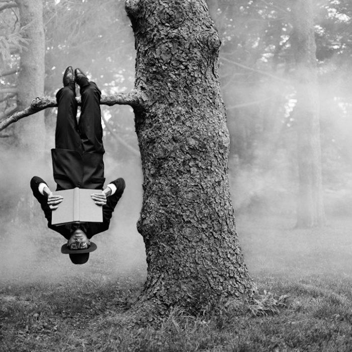 Libro ~ Liber ~ Essere liberi  #IoPreferiscoLeggere #IoLeggo #book   #photo Rodney Smith  #photographer #photooftheday  #blackandwhitephotography   #30maggiopic.twitter.com/Y0yqwE5EOr