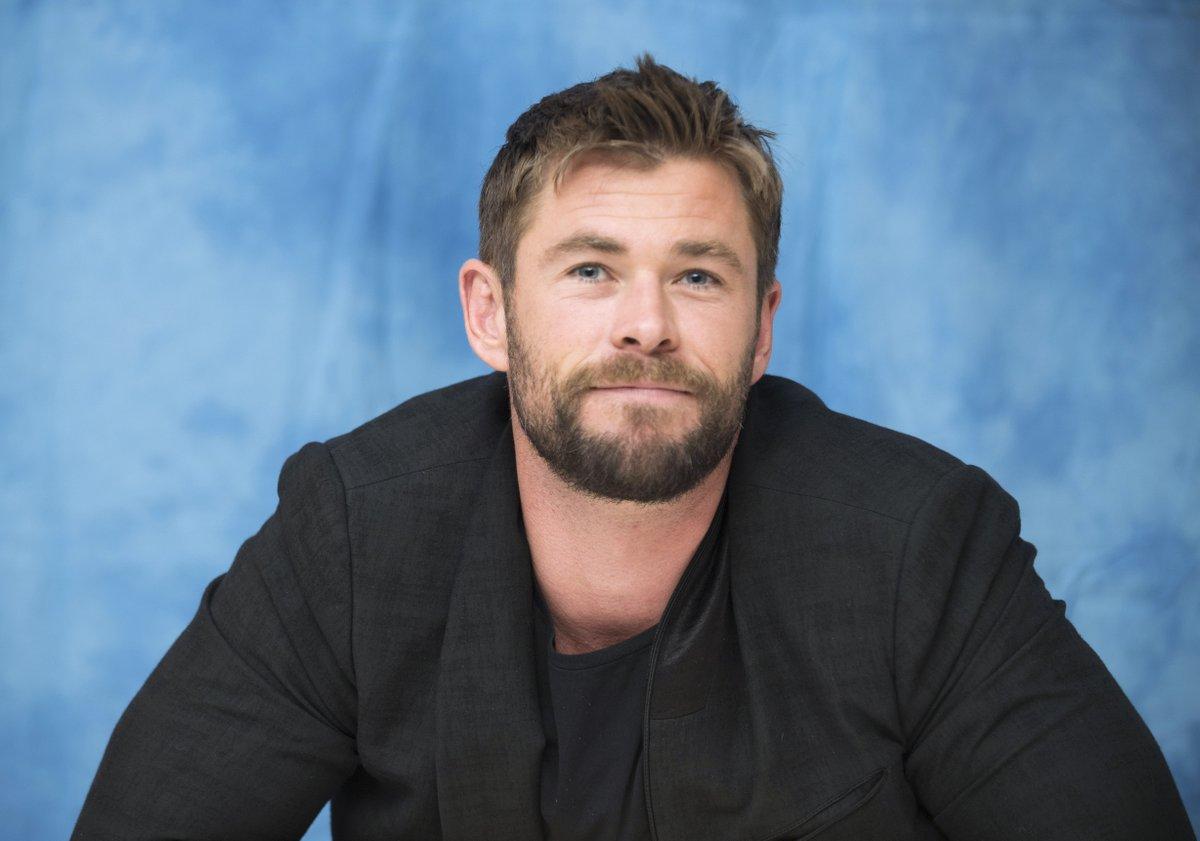 HOLLYWOOD BULLETIN: Chris Hemsworth on coping with COVID-19 in Australia - Manila Bulletin http://dlvr.it/RXgH7xpic.twitter.com/JO11wmJqFQ