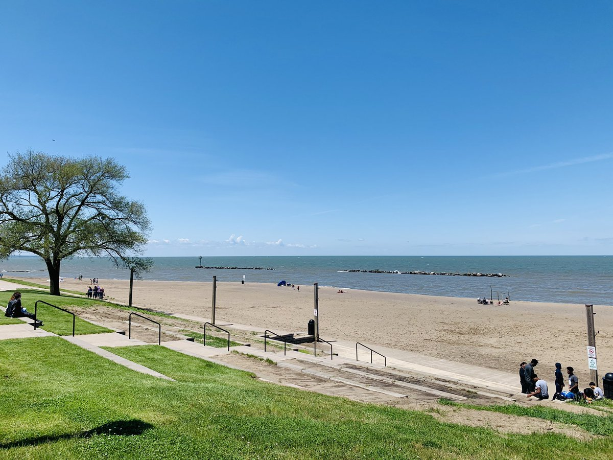 What a pretty #amazing day! Checking out the Ohio Coastal Trail and seeing places I haven't been too yet along the lakeshore. #ThisIsCLE #LakeErie #nice #weather #OHwx #GreatLakes #TheLand