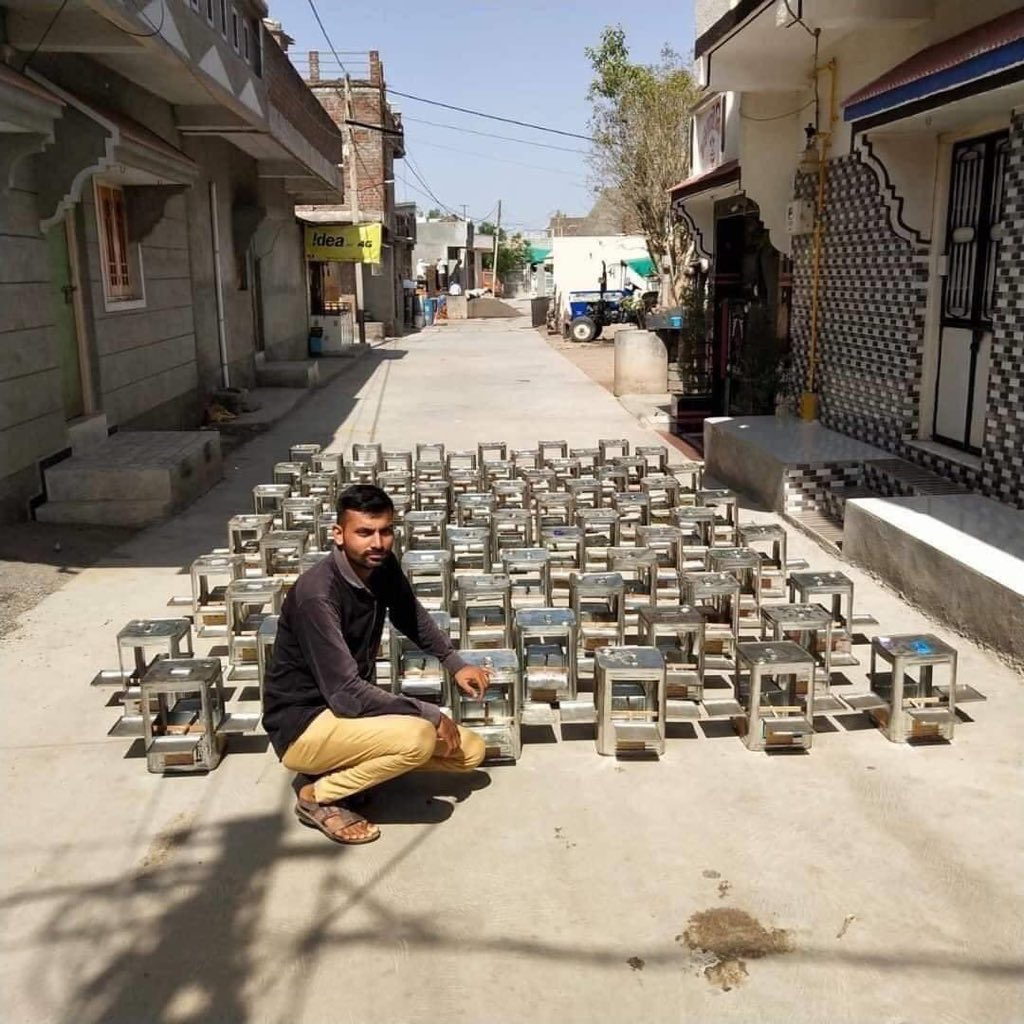 Very well to see. Manoj from Botad, Gujarat has made 100 Of Same From Him Self for birds. Wishes for his awesome work. Sent by @SinceMarch2010.