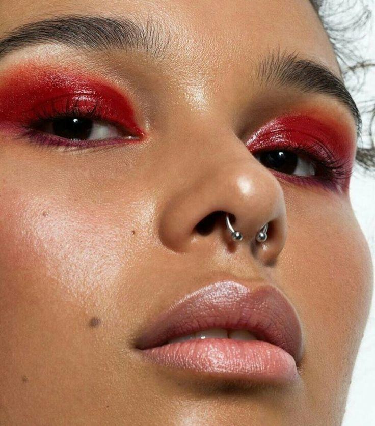 BEAUTY FLAVORS #beautyflavors  Glossy Eyes  #makeupartist  #makeupaddict  #makeuplover  #eyeshadow  #makeuptrend #beauty #cosmetics #BeautySecrets  #makeup