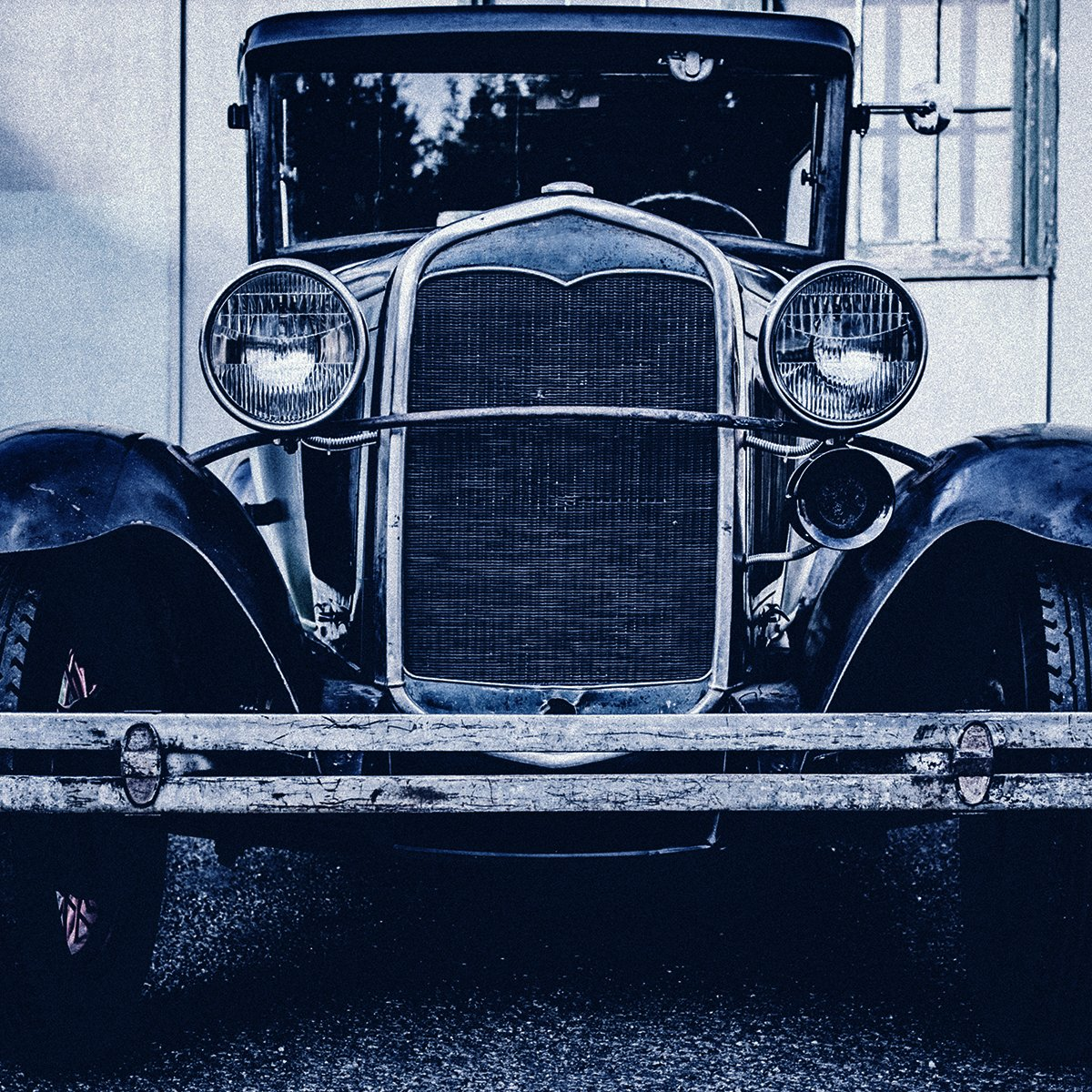 "Farmers sold its first auto policy in 1928. It covered a used 1925 Cadillac Phaeton owned by Charles Briscoe. He kept his policy for more than 50 years until he gave up driving. Why Farmers? ""I just exercised good judgment,"" he said. Over 50 years? I'd say that's great judgment. pic.twitter.com/uo6JhT6lEq"