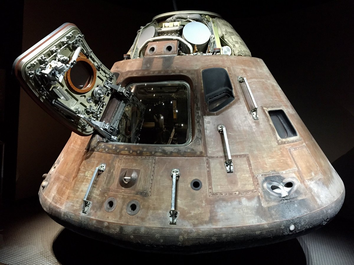 test Twitter Media - This is a picture of the real Apollo 11 Command Module, that I took in one of my @NASAKennedy visit(exactly 5 years ago). The @SpaceX Crew Dragon Demo-2 launch over a modified Falcon 9, that will try for the 2nd time in 20 minutes. #LaunchAmerica #SpaceX #NASA https://t.co/ZWrWseDXJl