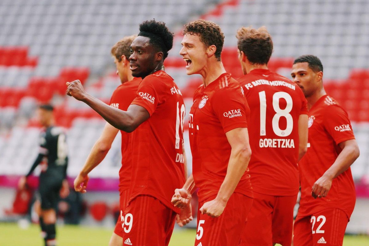 Another victory for this incredible team 💪🏻 Happy to score again 🥰 @FCBayern #MiaSanMia https://t.co/lvbgMyOetN