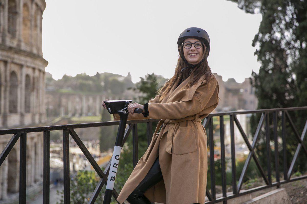 Ciao, Roma! Our Birds are ready for you. Take a ride, feel the fresh air, and #SupportLocalBusinesses: Caffè Vitti, @FornoRoscioli, @WeAreFatamorgana 🛴 🇮🇹