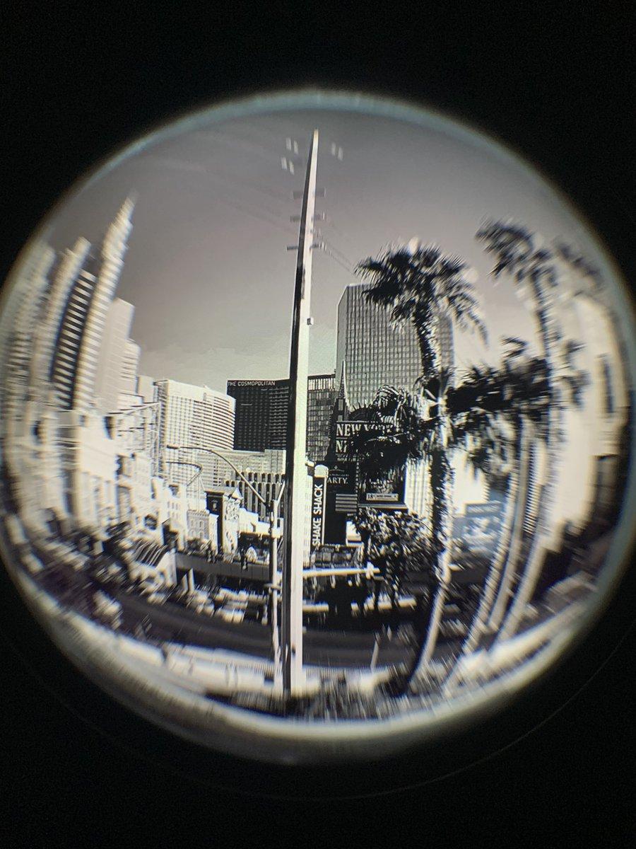 Experimenting with fisheye lenses #photography #PhotosOfMyLife #photooftheday #photographer #photographylovers #Imagine #art #LasVegas #NewYorkpic.twitter.com/UJMf6OVoDb