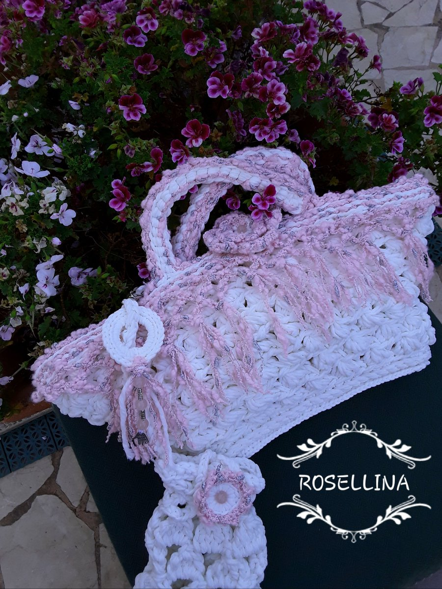 LeTrameDiRossella #bridaldress #uniquepiece #handmadebelt #bohodress #weddingdress #outfitoftheday #fattoamano #bohostyle #madeinsicily #raffinatesuggestionidisicilia #partydress #shoponline #craftbag #sicilianbag #summerbag #resortstyle #moda #summerdress http://amazon.it/handmade/LE-TRAME-DI-ROSSELLA…pic.twitter.com/H6wDSocmH6