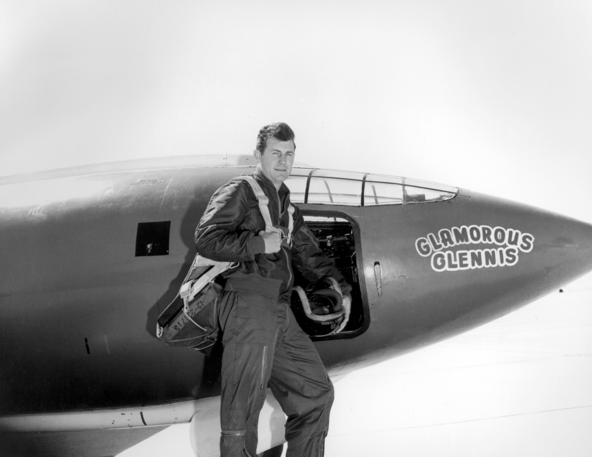 Now 97, Chuck Yeager broke the sound barrier in 1947: https://t.co/j1lVCErmWq