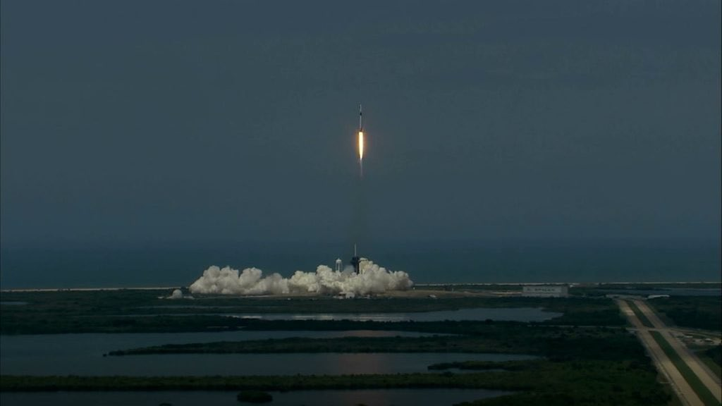 The @SpaceX Crew Dragon spacecraft carrying @NASA astronauts @AstroBehnken and @Astro_Doug on their way to to the @Space_Station has safely reached orbit! 🚀🇺🇸 Tune in at 6:30 p.m. ET as the NASA Administrator hosts a postlaunch news conference: go.nasa.gov/2MfQ7Ni