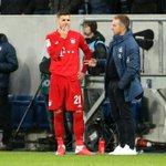 Image for the Tweet beginning: FC Bayern: Hernandez mit Adduktorenproblemen