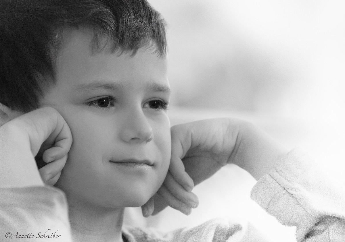Emotions. Moments come and gone. #portraitphotography #emotionspic.twitter.com/E7DeqQwISj