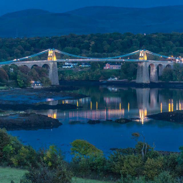 Good evening all.  Picture is of Menai Bridge, Wales. <br>http://pic.twitter.com/B6LZ1zUQwA