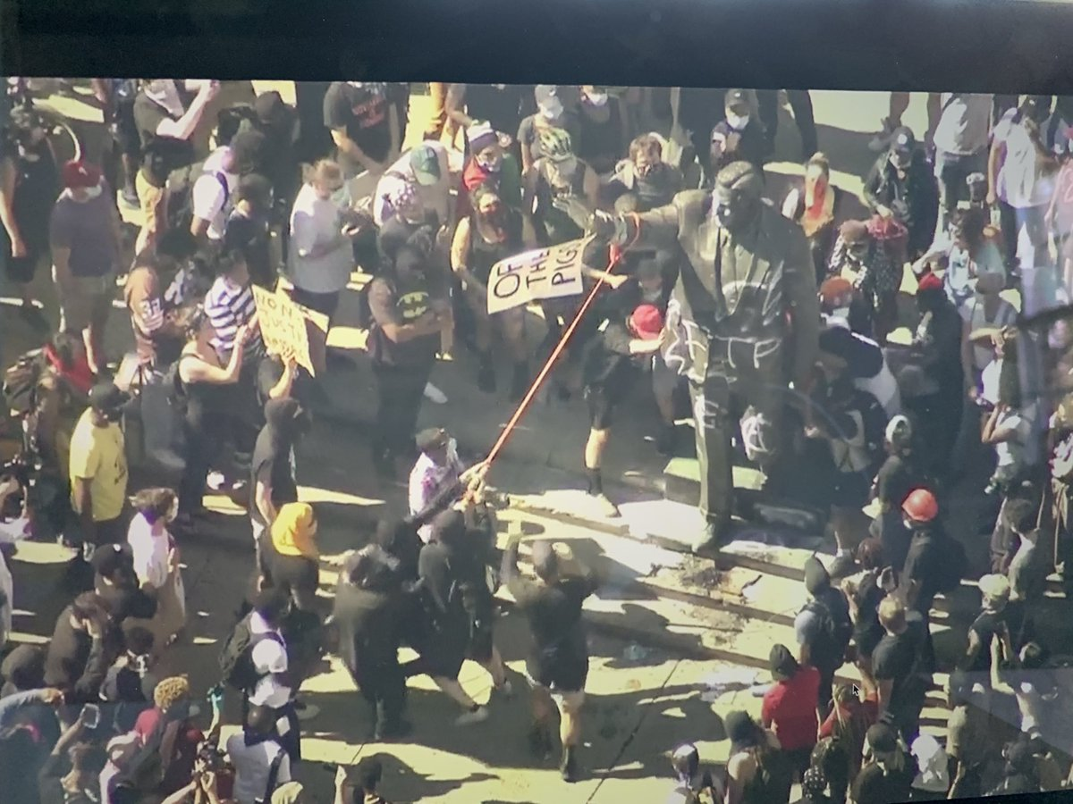 RIGHT NOW: Protestors are defacing and trying to topple the statue of Frank Rizzo. @FOX29philly