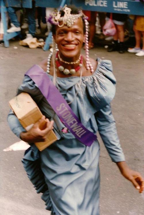 """as we approach Pride month, a reminder that *ALL* #BlackLivesMatter . Marsha P. Johnson, whose body was found floating in the Hudson River. Police ruled her death a suicide & WASN'T INTERESTED IN INVESTIGATING HER DEATH BC THE CASE WAS ABT A """"GAY BLACK MAN"""" (1992) <br>http://pic.twitter.com/Hv2euulCnY"""